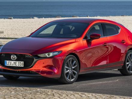 Nieuw! automatten voor de Mazda 3 2019.